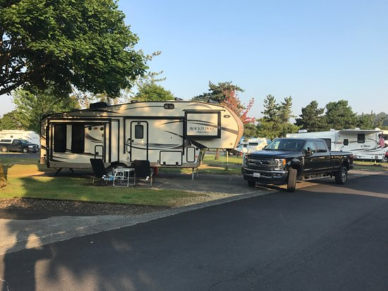 Kelso, WA: RV Park- Only first 23 rows are for overnighters