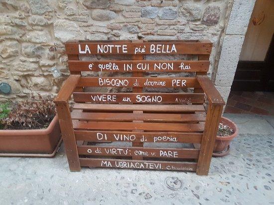 Sant'Agata di Puglia, Italy: 20180426_193751_large.jpg