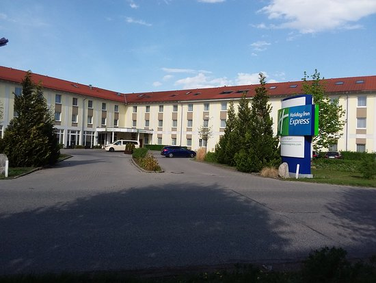 Oberding, Germany: Front of hotel