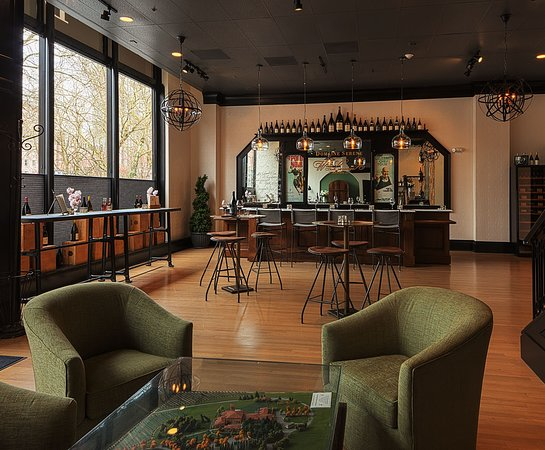 Domaine Serene Wine Lounge at Sentinel