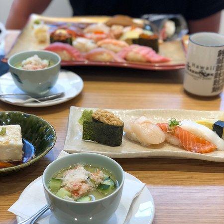 Katsumidori Sushi: マカデミアナッツ豆腐、 アボカド茶碗蒸し