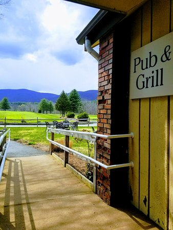 Williamstown, MA: The W Bar And Grill