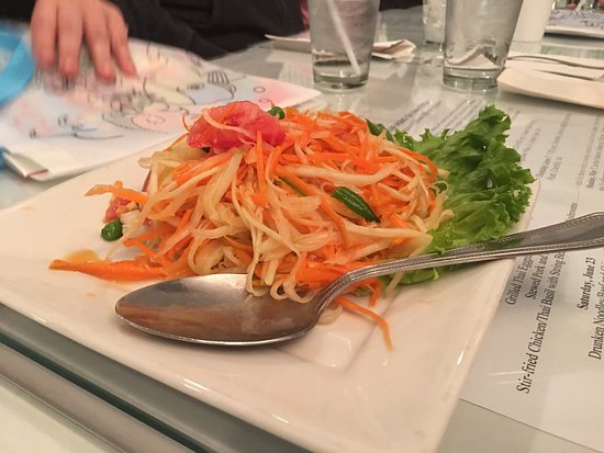Thai Basil Restaurant: Papaya Salad