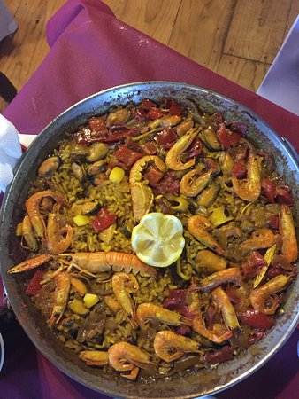 Atapuerca, Spain: Chef's special- seafood paella