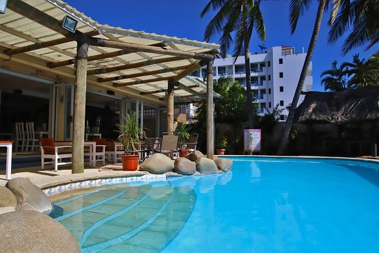 Aquarius On The Beach: Enjoy the coolness of our pool