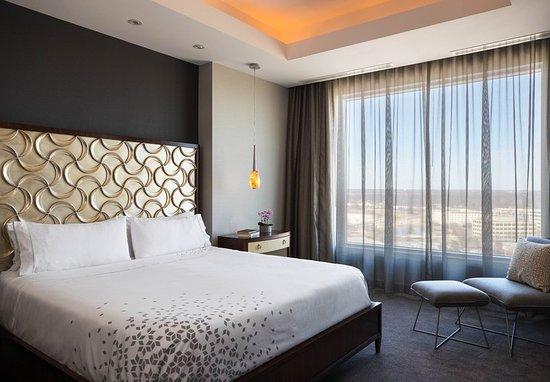 Renaissance schaumburg convention center hotel 116 - 2 bedroom suites in schaumburg il ...