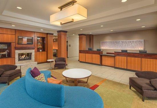 fairfield inn suites cleveland 110 1 2 9 updated. Black Bedroom Furniture Sets. Home Design Ideas
