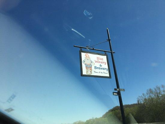Berger, MO: road sign