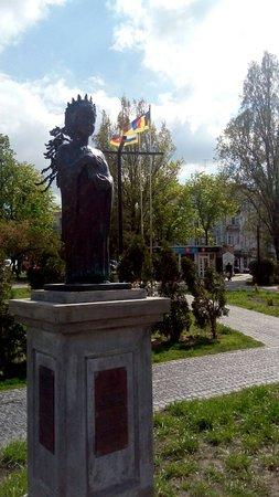 Monument to Anna Yaroslavna