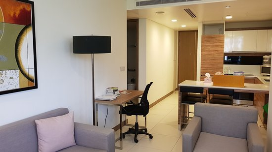 ‪‪8 on Claymore Serviced Residences‬: 2-bed apartment living/dining‬