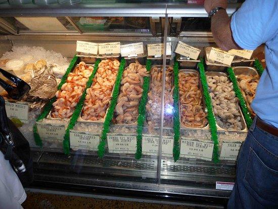 Walt 39 s fish market sarasota restaurant avis num ro de for Sarasota fish restaurants