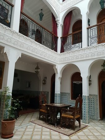 Riad Mouna : 20180422_194258_large.jpg