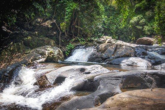 Pala-U Waterfall 02