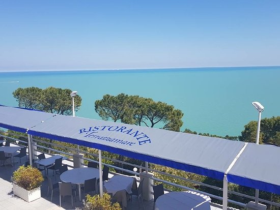 https://media-cdn.tripadvisor.com/media/photo-s/12/c9/39/f5/la-nostra-terrazza-vista.jpg
