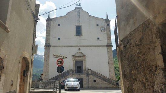 Pettorano sul Gizio, Italy: Parrocchia della Beata Vergine Maria e di San Dionisio