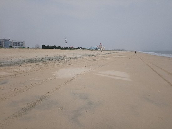 """Rushan, China: The polluted """"silver"""" beach. Please avoid this horrible place."""