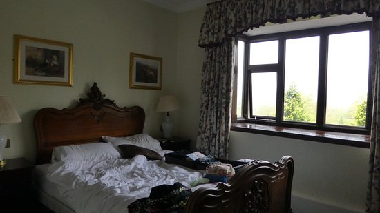 Bryn Howel Hotel: rooms are well decorated and special
