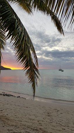 Blue Lagoon Beach Resort: 20171014_170638_large.jpg