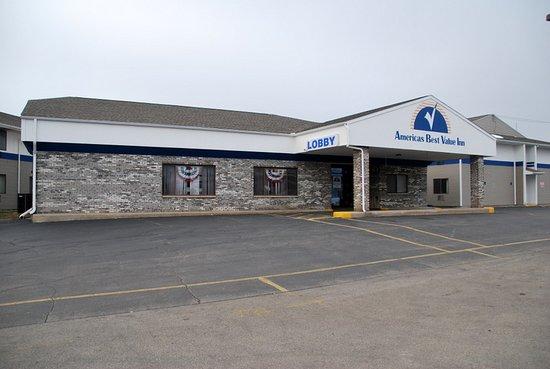 Americas Best Value Inn La Crosse Photo