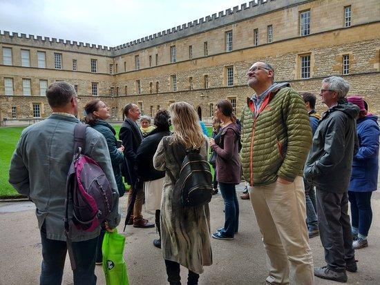 Oxford City Walk: The kinesiology group enjoying their tour