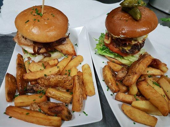 Burger 31: Chicken Burger & American Burger