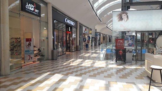 Modiin, Israel: Azrieli Mall