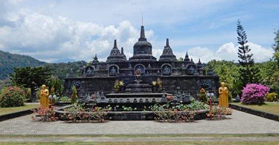 Ловина-Бич, Индонезия: Budha Temple Banjar
