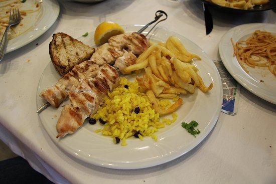 To Steki tis Pareas: porc skewers are fine