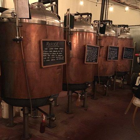 Pearl River, NY: Entrance, menu, my draft and Brewery