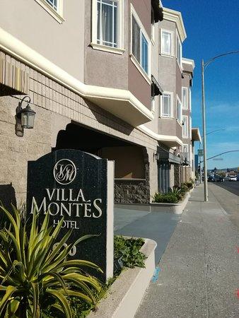 San Bruno, CA: ホテル正面。前は車の量は昼間はわりと多いです。