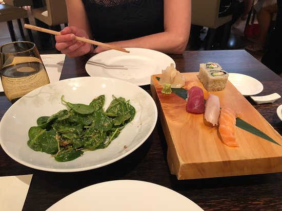 Matsuhisa, Munich: Spinatsalat und Sushi Selection