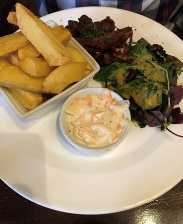 Uffington, UK: BBQ Glazed Pork Ribs