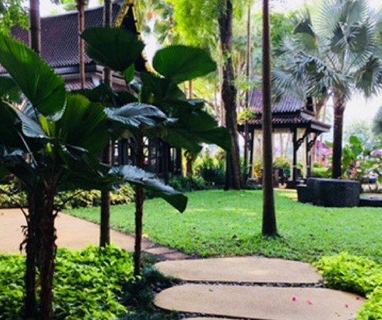Shangri-La Hotel Bangkok: Salathip Thai Restaurant