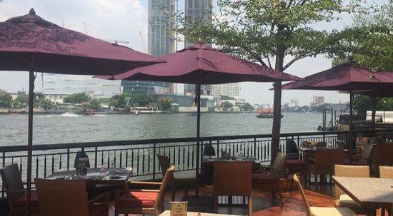 Shangri-La Hotel Bangkok: A view from Next2 Cafe