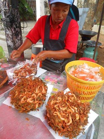 Old Takua Pa Sunday Market: curieux non !?!?