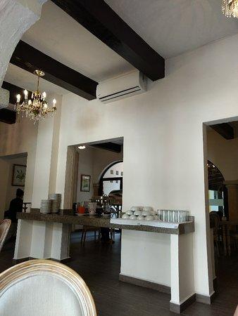 Hotel Maison del Embajador: TA_IMG_20180429_103112_large.jpg