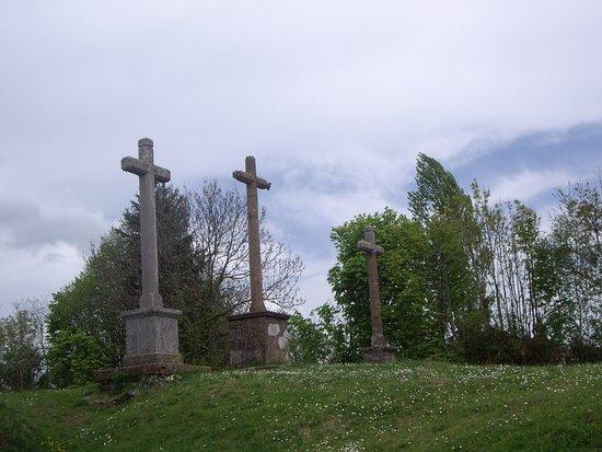 Chateau Chinon, Frankreich: Les 3 croix