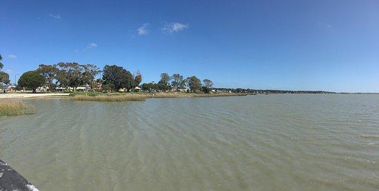 Meningie, أستراليا: Lungo il lago
