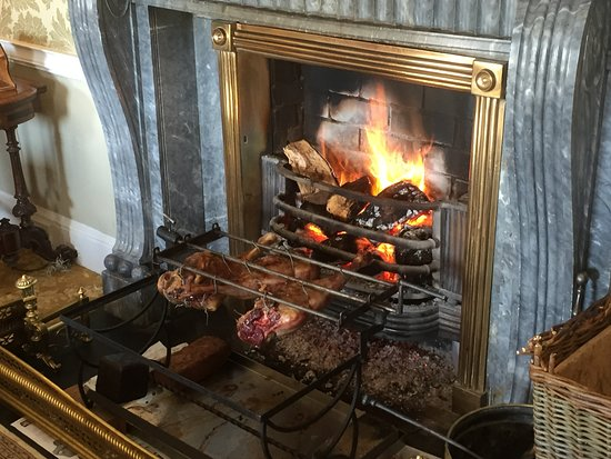 Longueville House Hotel: Leg of Lamb roasting by the fire
