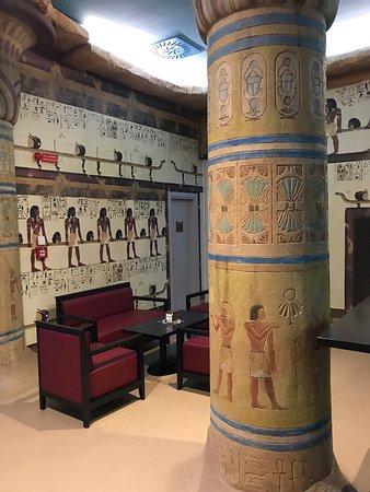 Tutankhamon Restaurant: Veduta di uno dei locali del ristorante