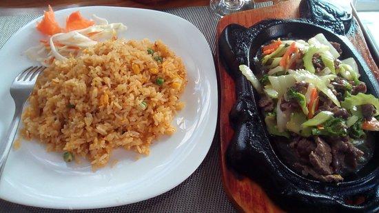 Blaha Bistro: Marhahúsos zöldséges étel rizzsel
