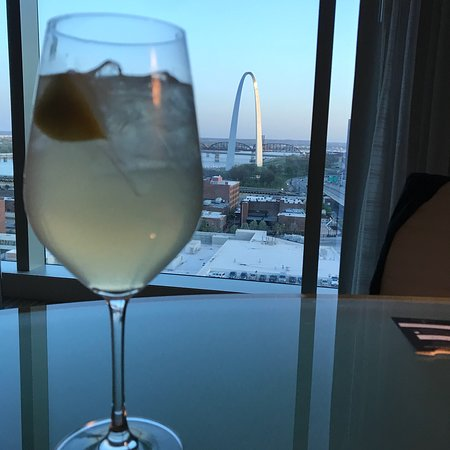 Four Seasons Hotel St. Louis: photo0.jpg
