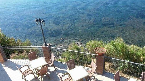 Hotel hydra club casal velino italia prezzi 2018 e for Piscina hydra villabate prezzi