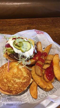 Ρέντινγκ, Μασαχουσέτη: Burger and Fries