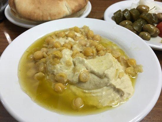 Hummus Said: Simple and delicious hummus