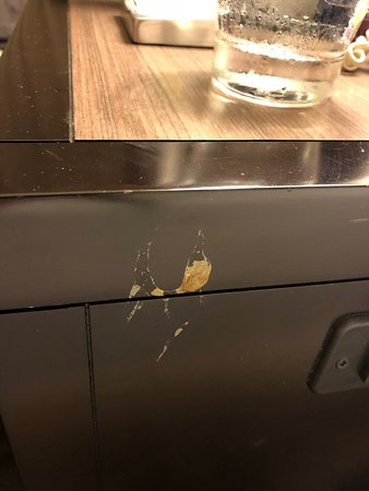 Hilton Santa Cruz / Scotts Valley: Looks like snot or barf, couldn't housekeeping see that when making bed, I had to cover it since