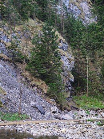 Huty, Słowacja: Kvačianská dolina, Oblazy, kamenný strážca mlynov Karol