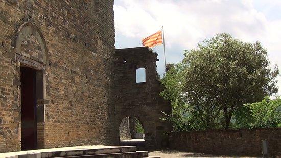 """Nuestra visita al antiguo monasterio """"Monestir de Sant Pere de Casserres""""Tomamos fotos y videos."""