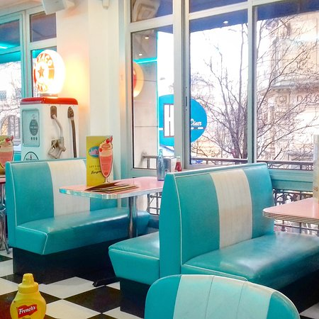20180502_132936_large.jpg - Picture of HD Diner Chatelet, Paris ...
