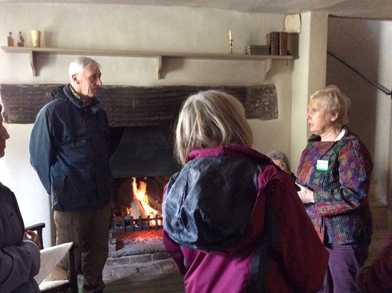 Nether Stowey, UK: The information from the volunteers was excellent